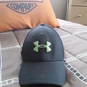 Under Armour  ball cap